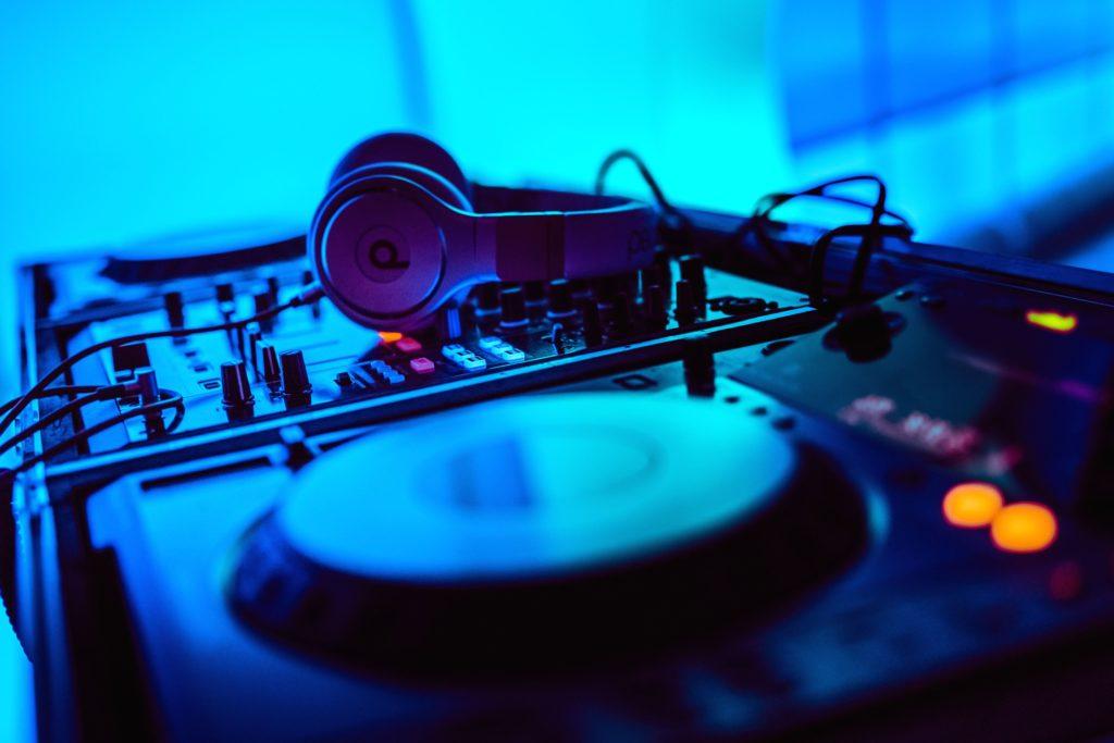 Sound Branding: Muzyka kluczowym aspektem budowania marki