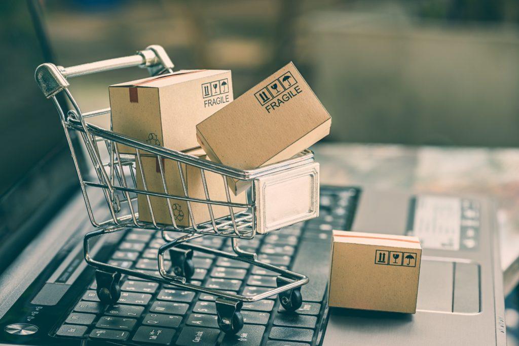 Zakupy spożywcze wciąż bardziej w realu niż w sieci